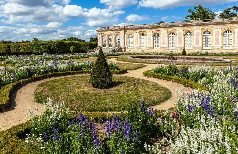 Versailles Palace and Trianons Small Group Tour