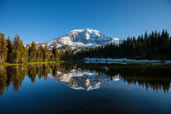 9-Day Yellowstone, Glacier and Mt Rainier National Parks Tour From Vancouver
