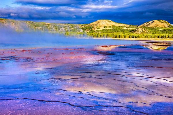 7-Day Canadian Rockies & Yellowstone Tour From Seattle