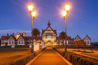 4-Day Rotorua Tour from Auckland W/ Waitomo Caves
