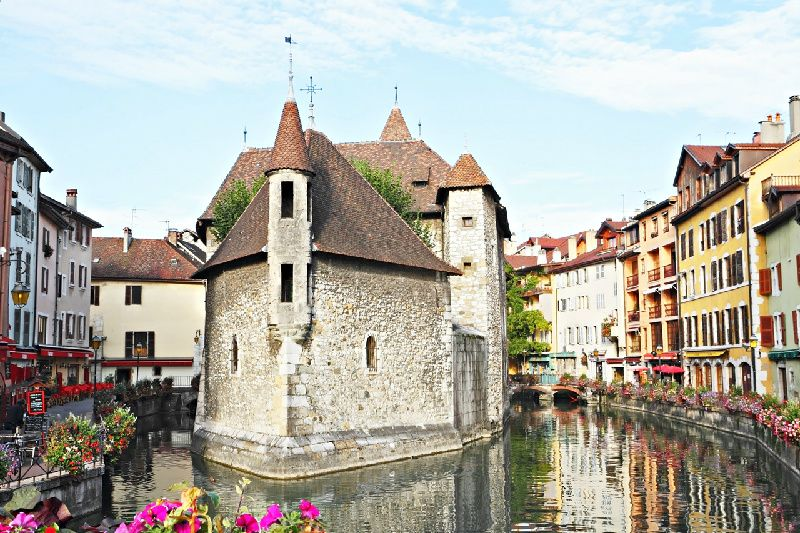 Annecy Half-Day Trip + Geneva City Tour and Lake Cruise**Passport required!**
