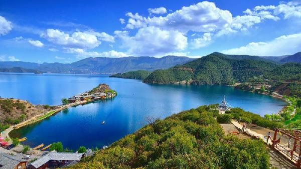 2-Day Holy Lugu Lake and Mosuo Matriarchal Society Tour
