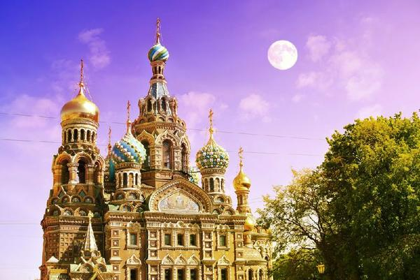 Saint Petersburg Night Tour