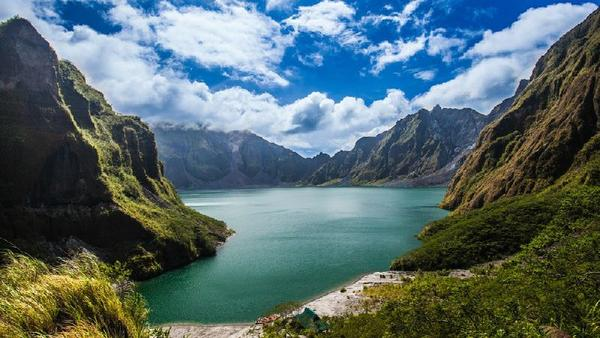 Pinatubo Trekking Tour From Manila