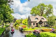 Giethoorn and Volendam Day Trip from Amsterdam