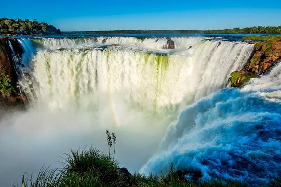 Iguazu Falls Adventure Tour: 4x4 Jungle Drive & Boat Ride