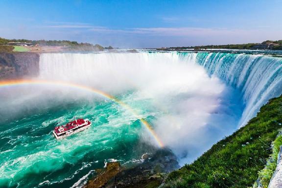 Private Niagara Falls Tour From Toronto by Sedan