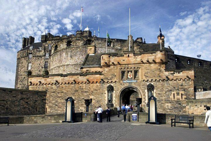 9-Day England and Scotland Tour Package from London