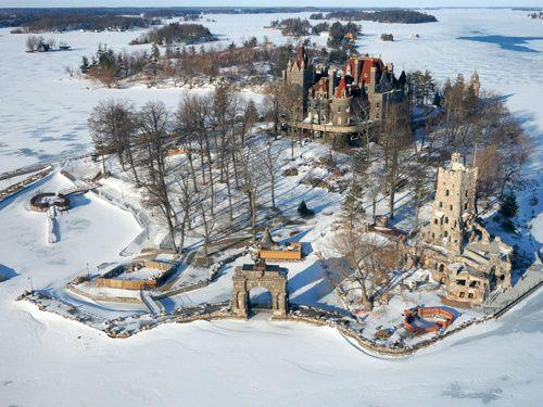 Thousand Islands and Boldt Castle Helicopter Tour from Gananoque