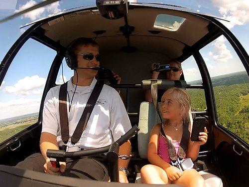 Rideau Canal Helicopter Tour From Gananoque with Kayaking & Biking