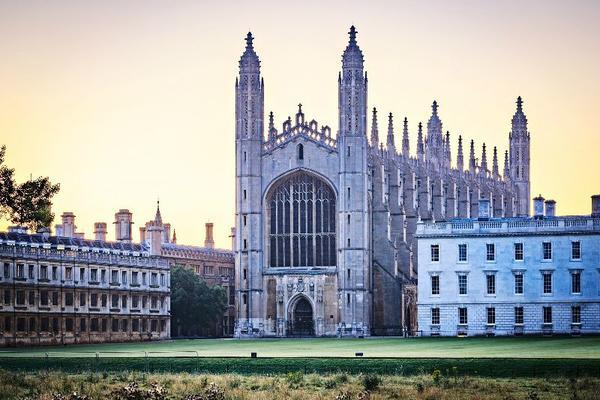 7-Day Tour of England and Scotland from Paris**London | Cambridge | York | Edinburgh | Lake District**