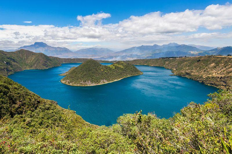 5-Day Private Ecuador Paradise Tour From Quito: Otavalo - Salinas - Cuicocha