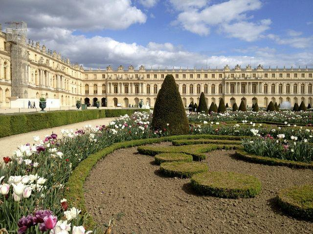 Versailles Palace and Gardens Day Trip from Paris w/ Audio Guide
