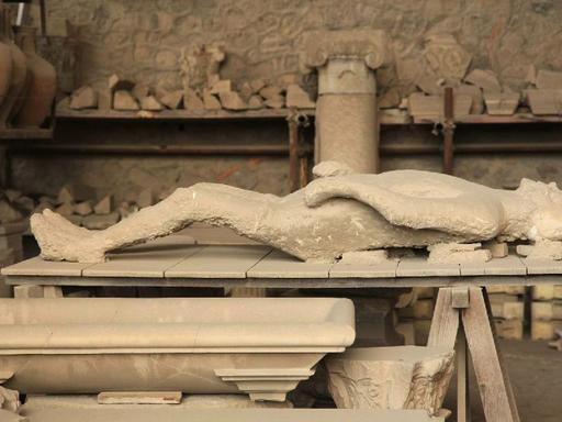 Express Pompeii Day Trip from Naples