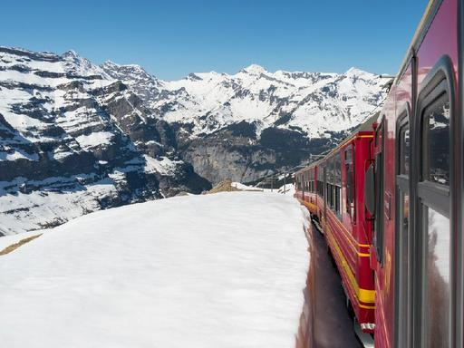 7-Day Swiss Alps Rail Holiday: Jungfraujoch | Mount Titlis | Mount Rigi