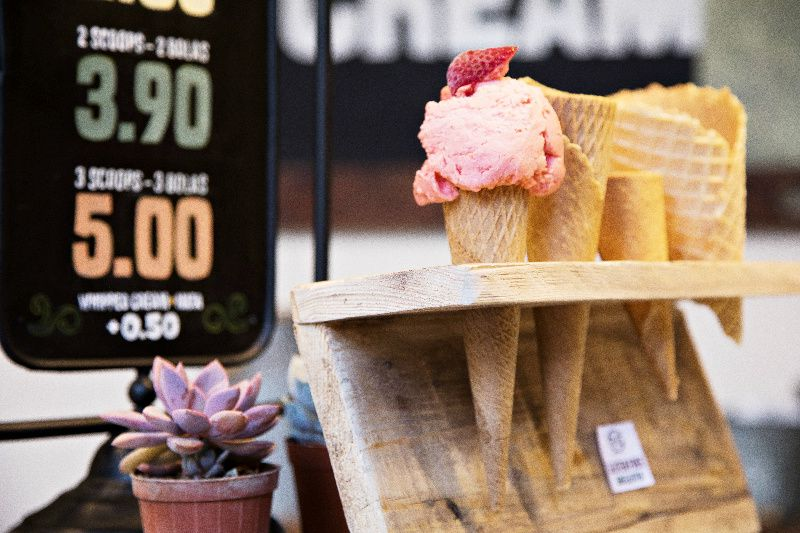 Barcelona Gothic Quarter Food Tour App**Connected iOS / Android Smartphone Required**