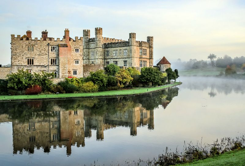 Leeds Castle, Canterbury, and Dover Day Trip from London**Monument Entrance Fee Upgrade Available**