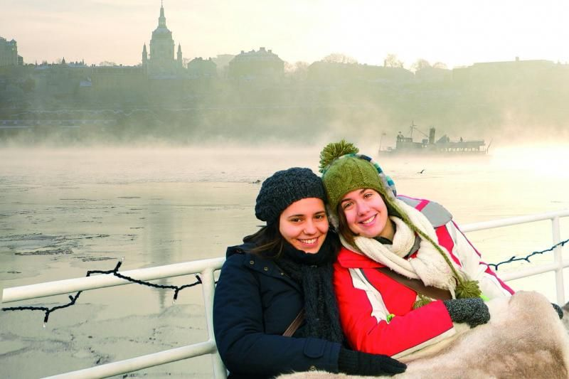 Stockholm Winter Tour by Bus and Boat