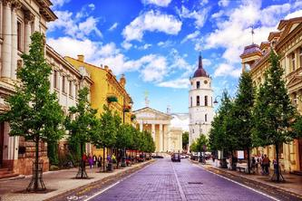 10-Day Baltic Capitals Tour Package from Tallinn