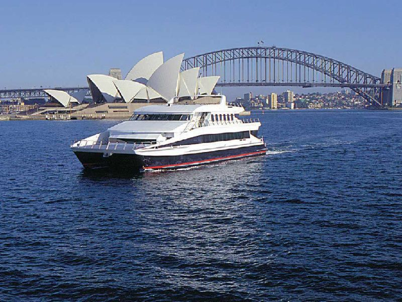 Morning Sydney City Tour with Magistic Harbour Luncheon Cruise