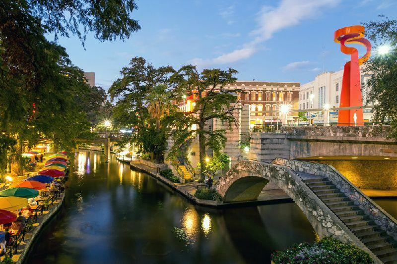 6-Day Texas Tour From Dallas with New Orleans