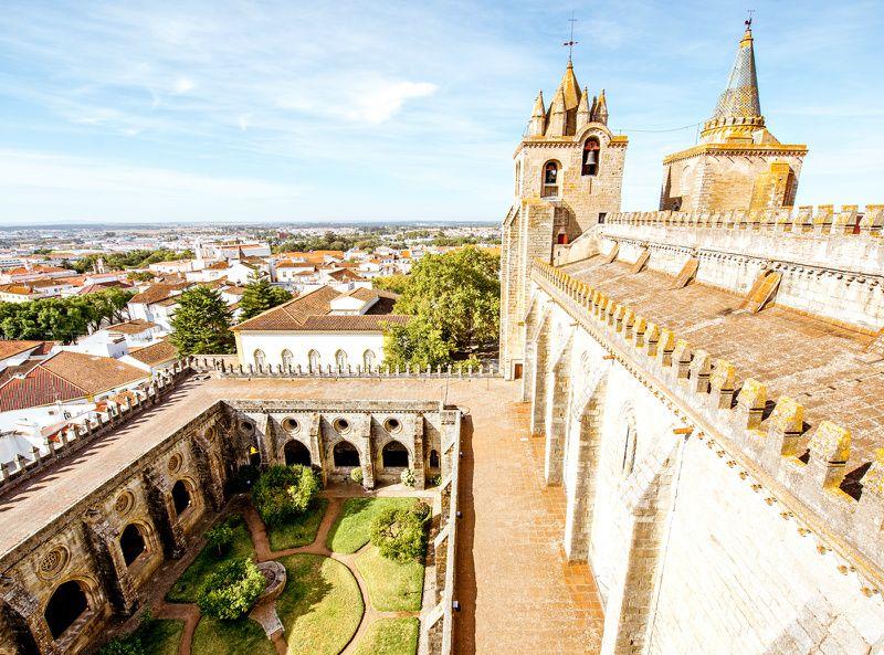 Evora Day Trip from Lisbon w/ Capela dos Ossos**Almendres Cromlech | Roman Temple | Cathedral of Evora | Chapel of Bones**