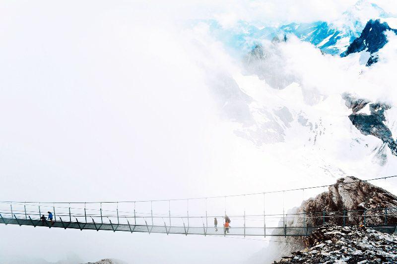 8-Day Swiss Alps Train Tour: Jungfraujoch | Mount Titlis | Rochers-de-Naye**3-Star Hotel Accommodations**<br>** Zurich to Geneva**