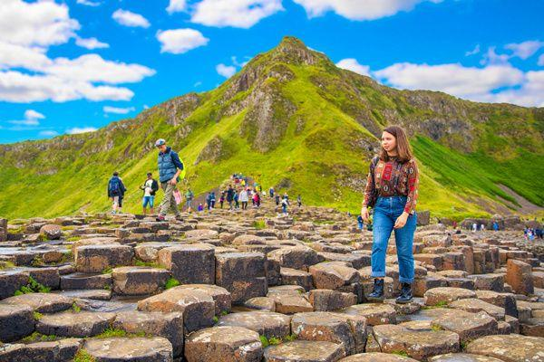Giant's Causeway and Carrick-a-Rede Rope Bridge Day Trip from Dublin**Game of Thrones Filming Locations: Dark Hedges + Dunluce Castle**
