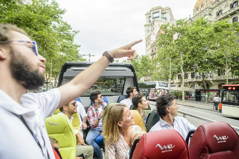 Sagrada Familia and Park Guell Small Group Tour**Luxury Open Top Minibus || Sagrada Familia Skip the Line**