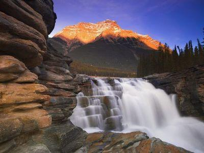 4-Day Canadian Rocky Mountain Summer Tour Package From Calgary