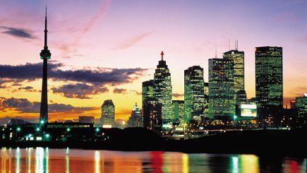 4-Day Boston to Niagara Falls, Toronto, Montreal and Quebec Bus Tour