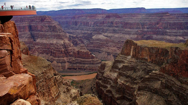 7-Day San Francisco, Grand Canyon West (Skywalk) Tour from Las Vegas+ One Theme Park