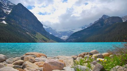 bus tour to usa from vancouver:3-Day Canadian Rocky Mountain Summer Tour Package (With Airport Transfers)