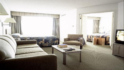Photo 1: Quality Suites Toronto Airport Hotel