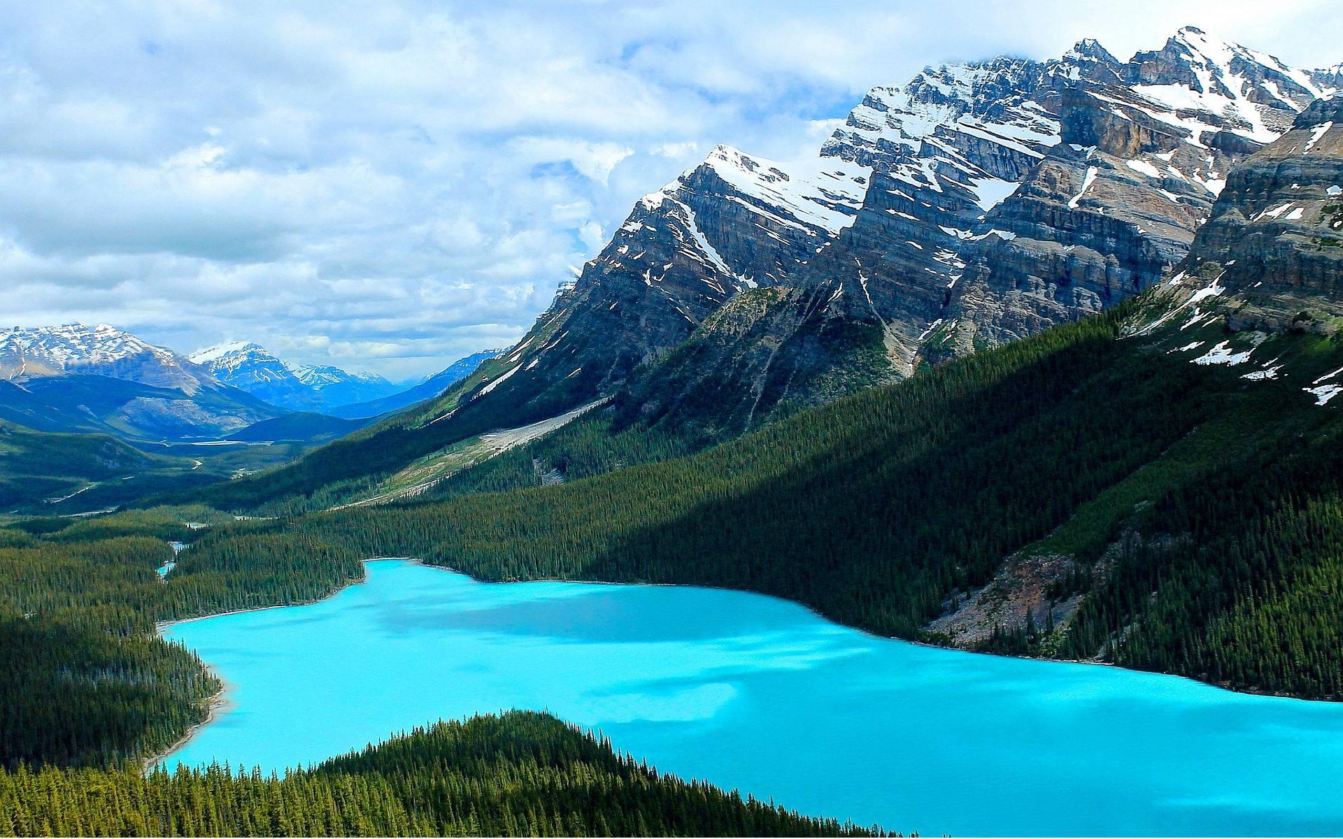 6-Day VIA Rail Tour of Vancouver, Lake Louise, Jasper, Glacier View and Rocky Mountains