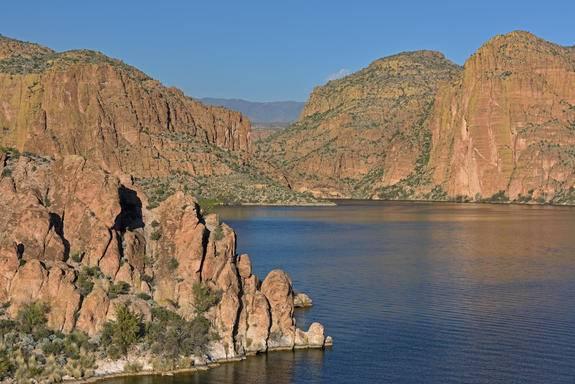 Apache Trail/Canyon Lake Steamboat