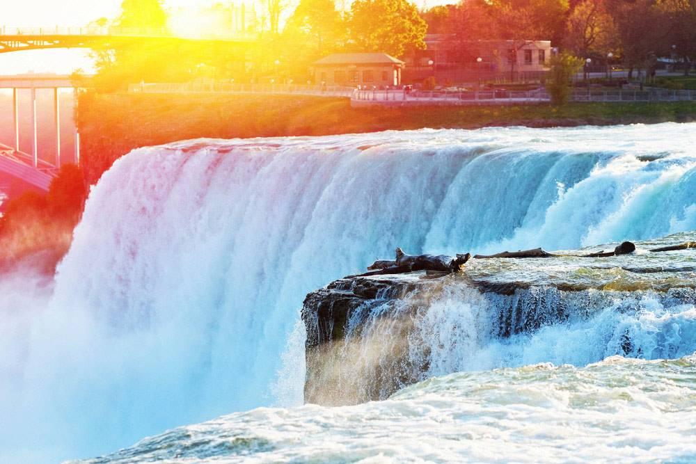 5-Day Grand East Coast Tour: Philadelphia, Washington D.C. and Niagara Falls