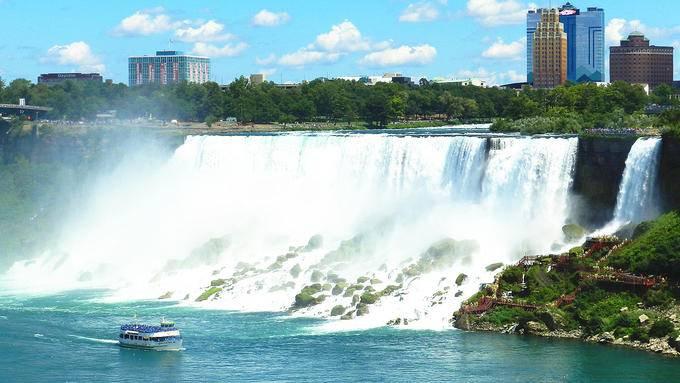 2 Días: Autobús Turístico a Cataratas del Niágara y el Centro de Vidrio de Corning saliendo de Nueva York/ Nueva Jersey (Oferta Especial)