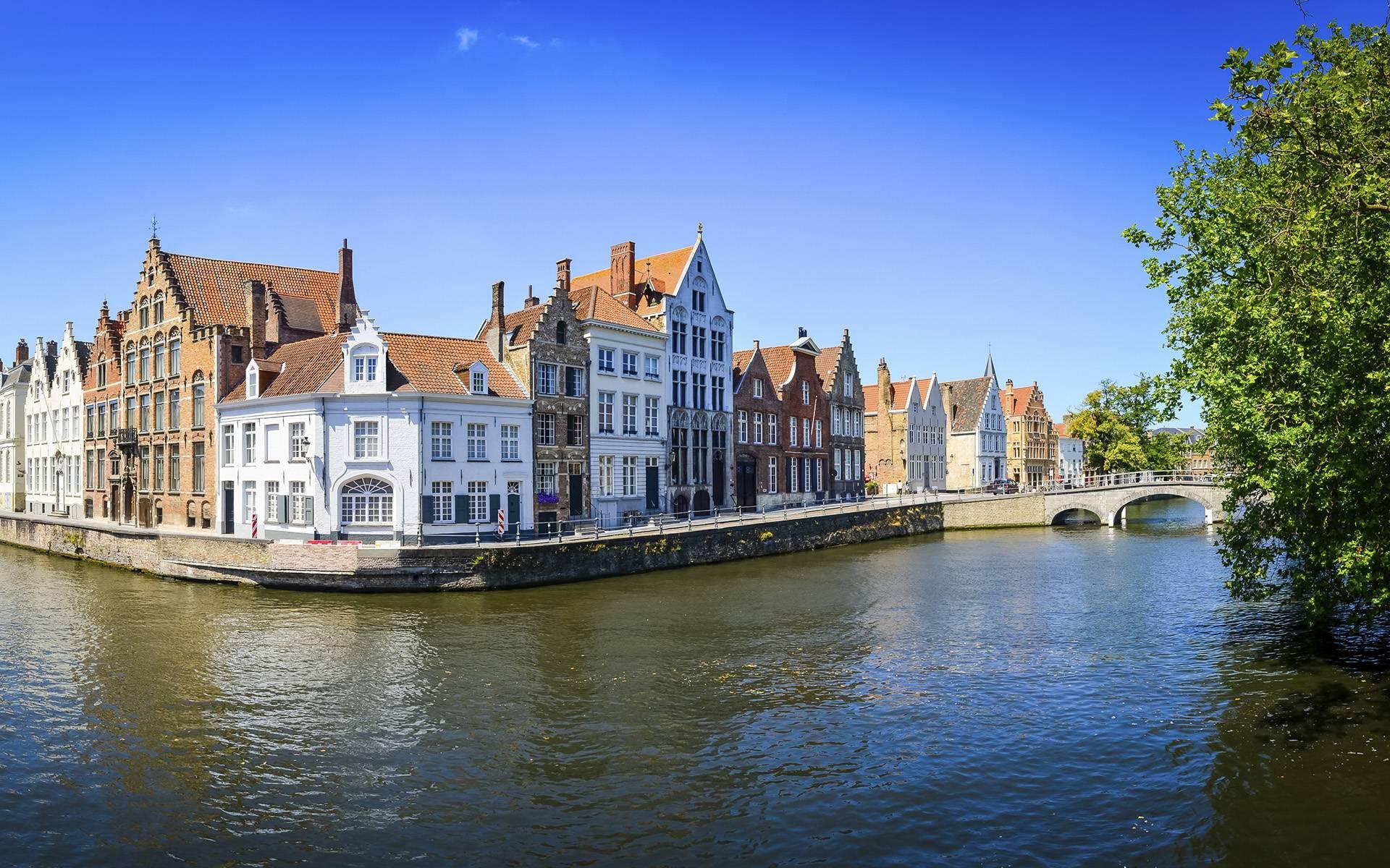 Bruges Day Tour from Paris