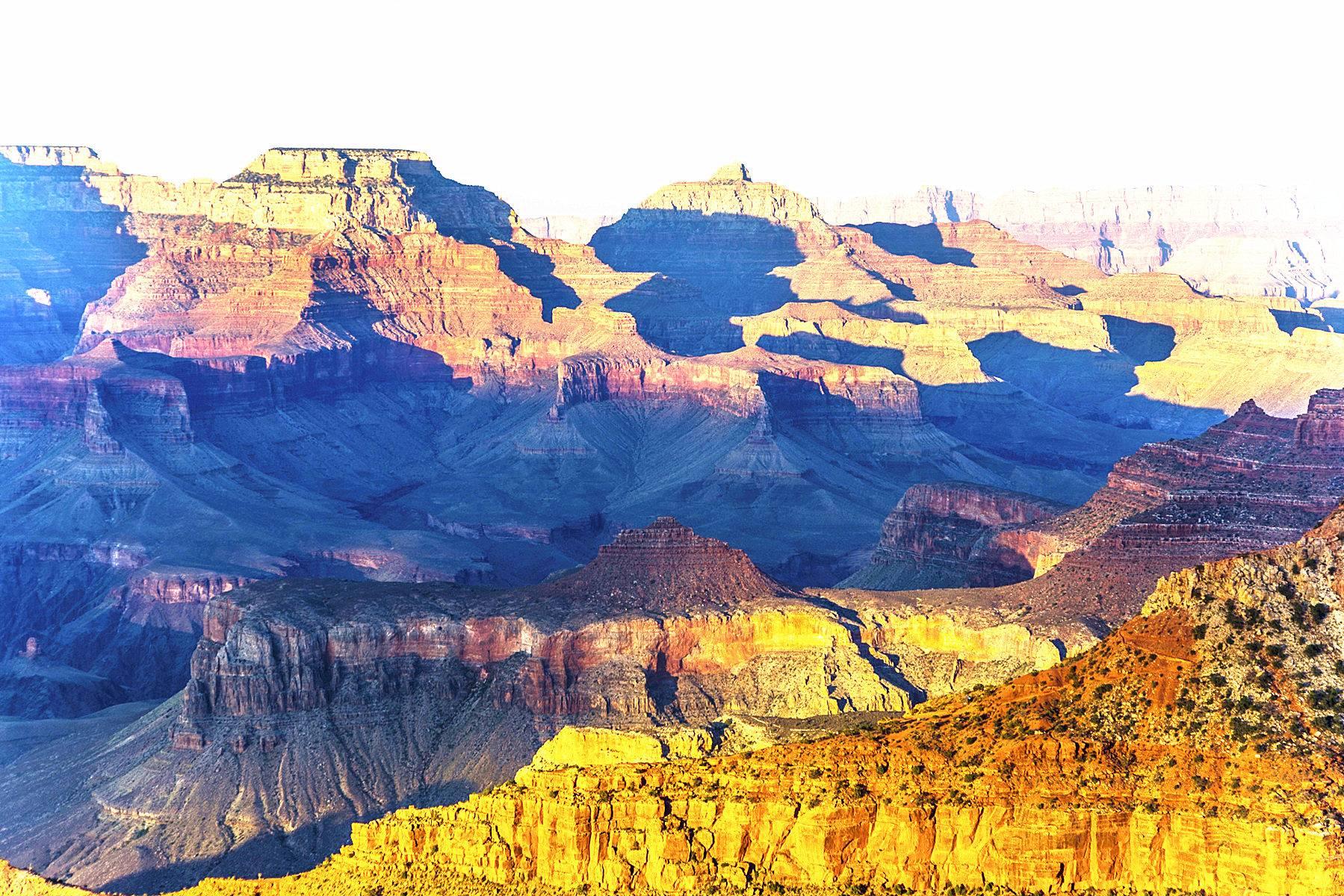 5-Day Grand Canyon, Antelope Canyon, & Las Vegas Bus Tour With Choice of Californian Theme Parks