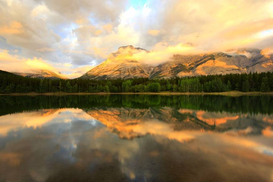 5-Day Vancouver, Banff, Rocky Package Tour