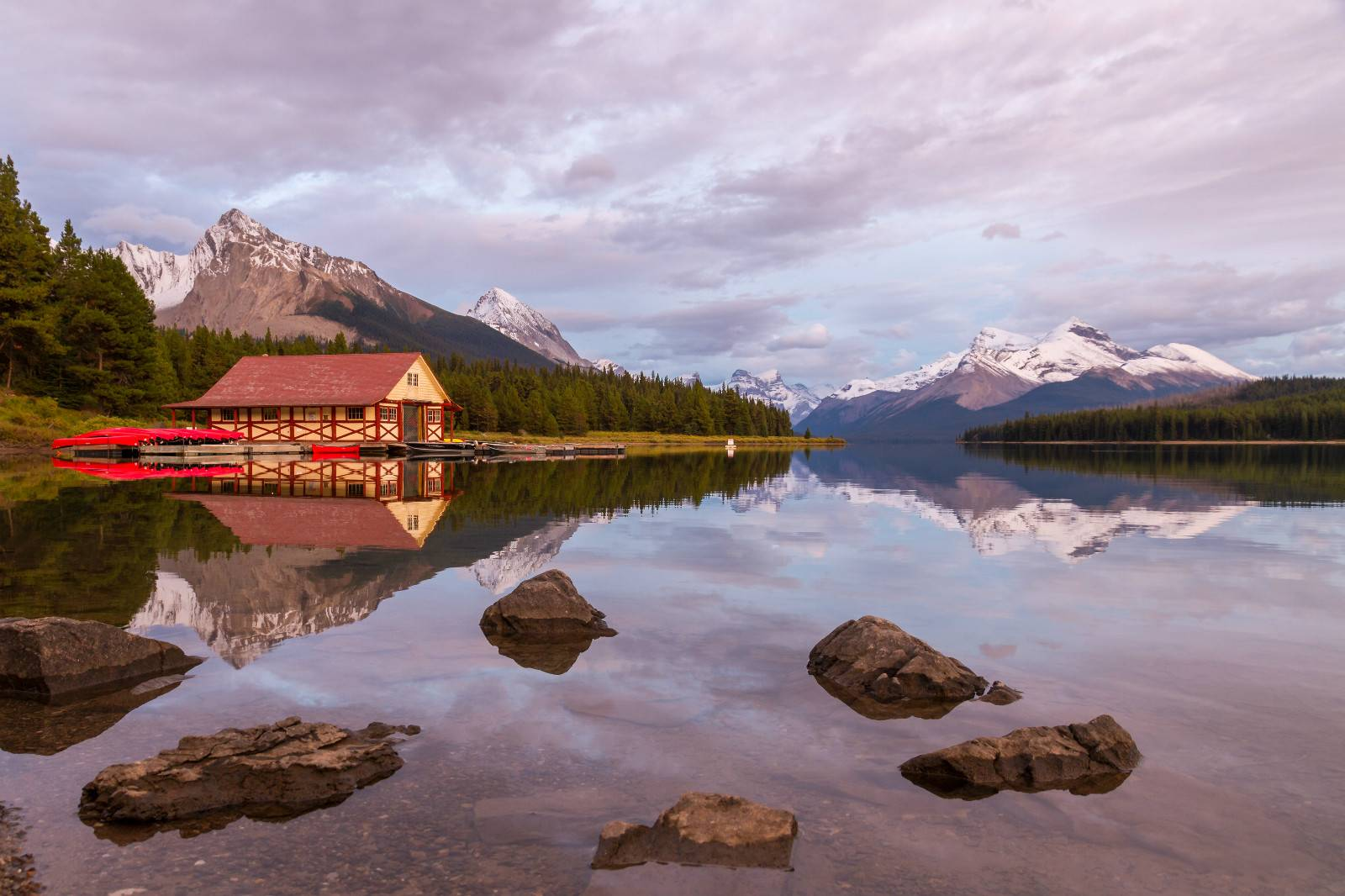 4-Day Wondrous Canadian Rockies Tour