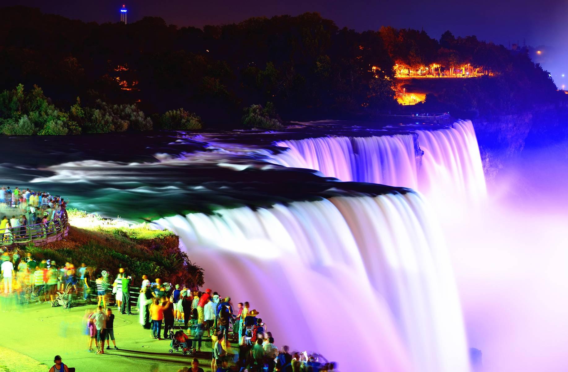 3-Day Niagara Falls, Watkins Glen, and Hershey's Chocolate Tour from Washington DC