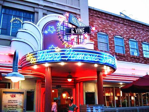 3-Day Park-Hopper for 4 Theme Parks - Orlando