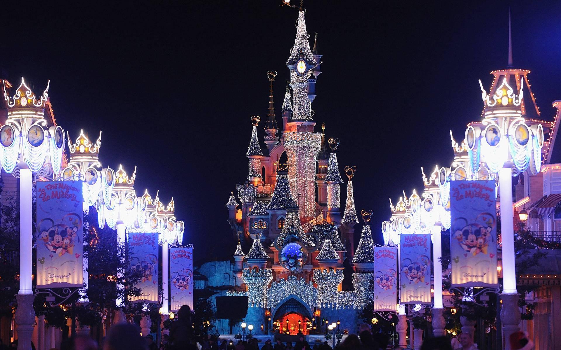 Disneyland Day Trip from Paris: Disneyland and Walt Disney Studios