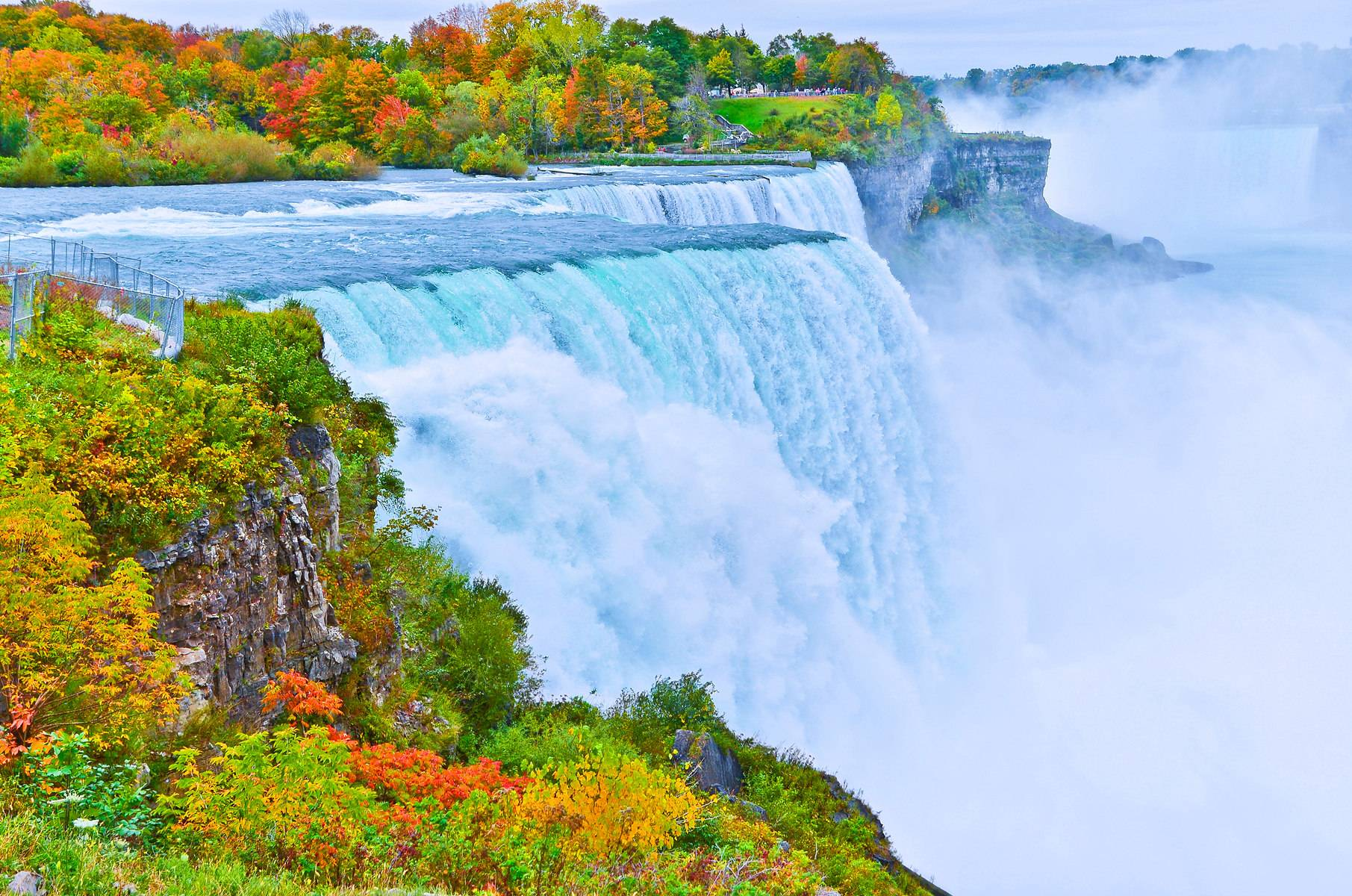 2-Day Niagara Falls In-depth Tour: Whirlpool State Park, Old Fort Niagara and Cave of the Winds