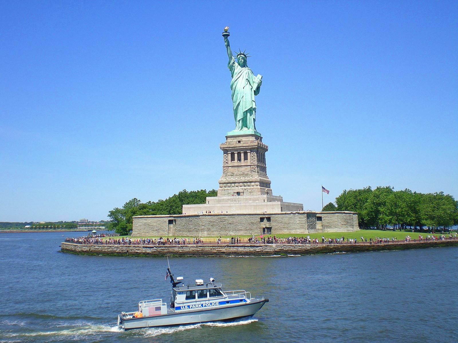 9-Day East Coast In-Depth Tour: Niagara Falls, NYC, DC, Boston, Philadelphia, Rhode Island