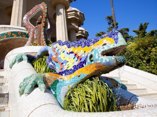 Park Guell Walking Tour with Fast Track Entry
