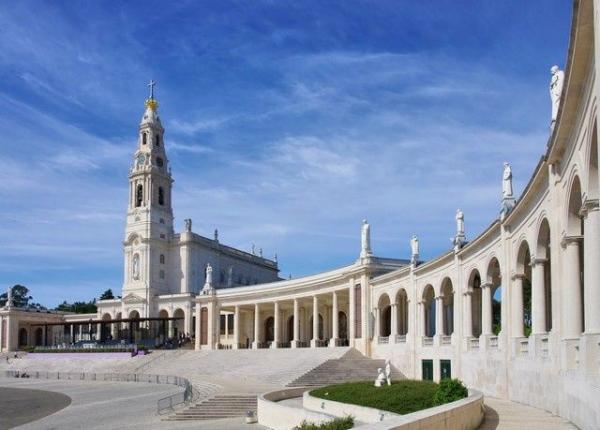 6-Day Religious Portugal Tour: Fatima / Obidos / Alcobaca / Batalha