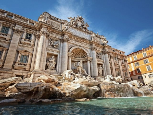 9-Day Italy, Switzerland, and France Tour Package from Paris